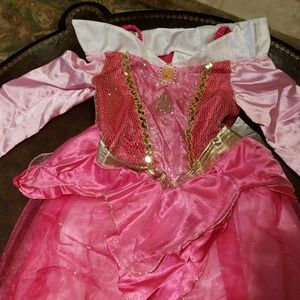 Belle costume size 7/8